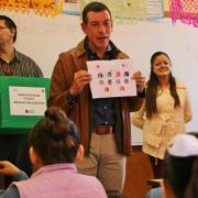 Niños elegirán diseños para mochilas con útiles