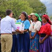 Encabeza SEDIS reunión con Wixárikas de San Sebastián de Teponahuaxtlán